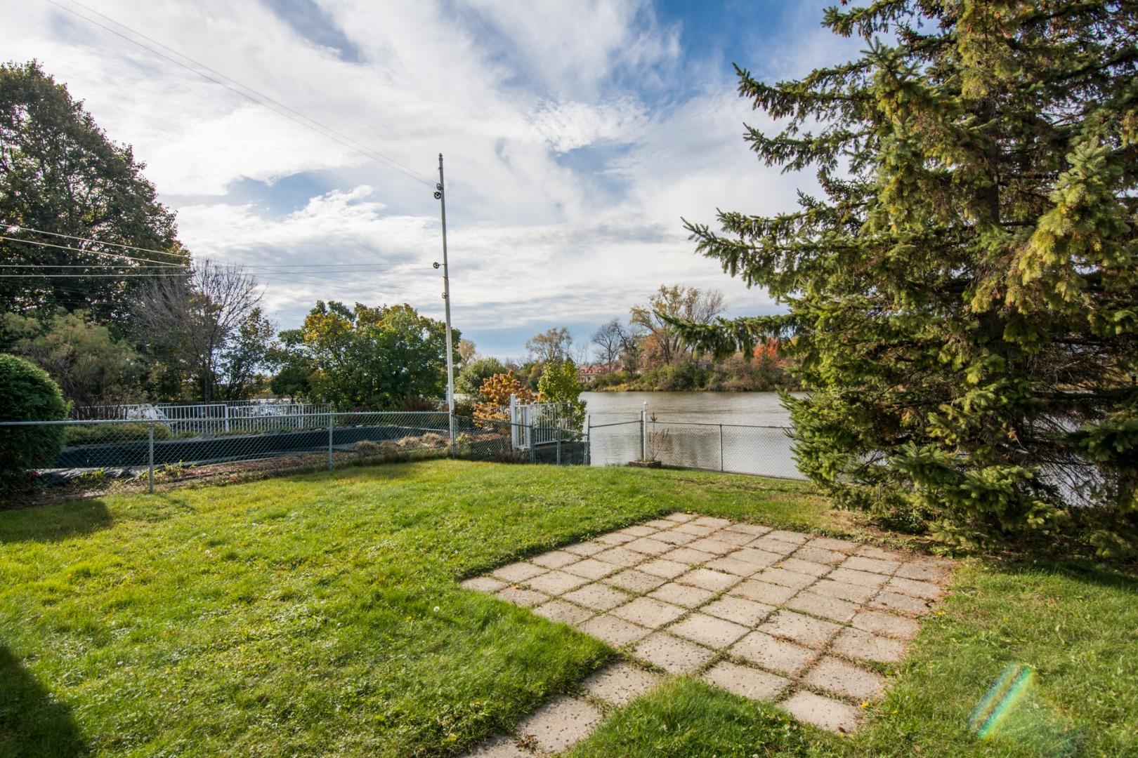 Duplex à vendre Montréal - 2221-2223, Place Étienne-Brûlé