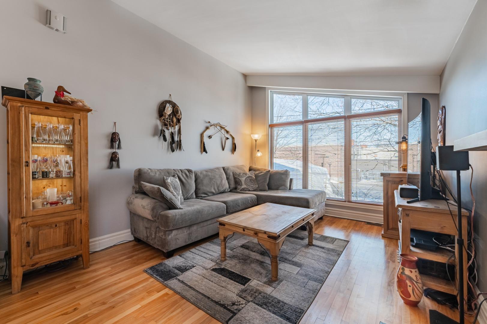 Maison_à_vendre-682_Av_Mondor-Laval-GL(7)-.jpg
