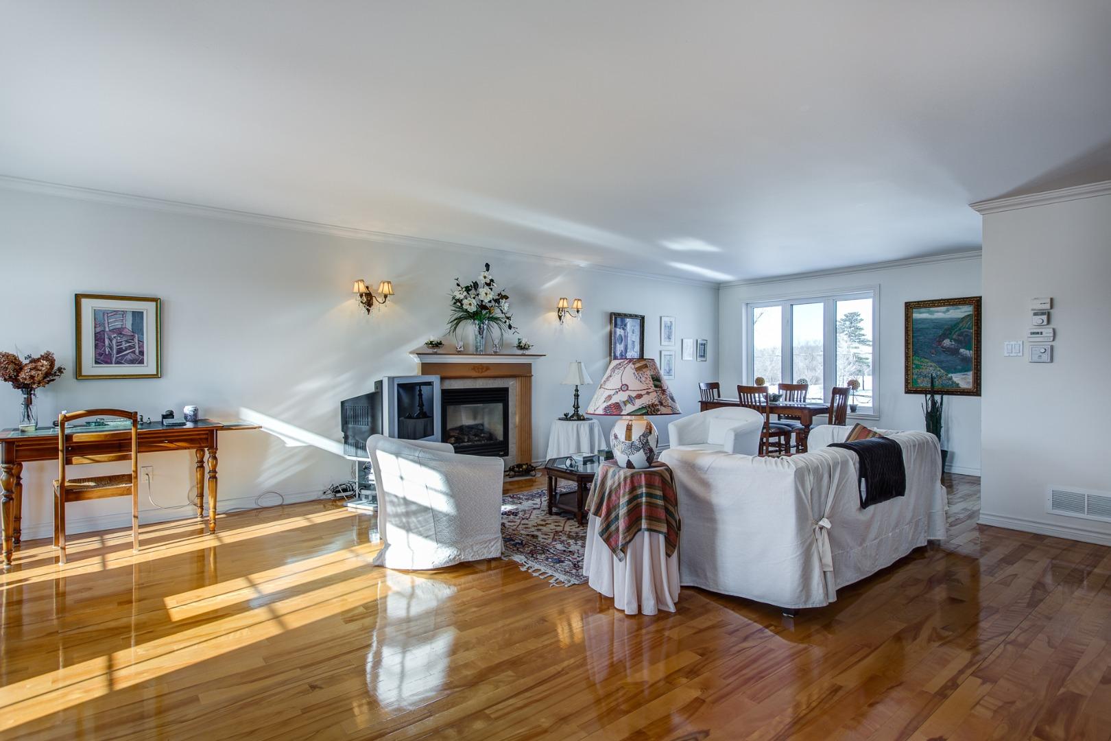 Maison à vendre Laval Fabreville - Salon