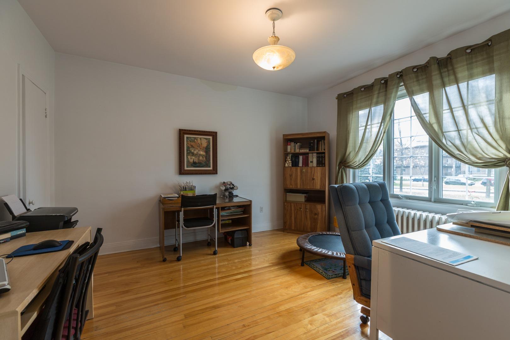 Duplex à vendre Montréal Ahuntsic-Cartierville-Nouveau Bordeaux - Chambre à coucher ou bureau