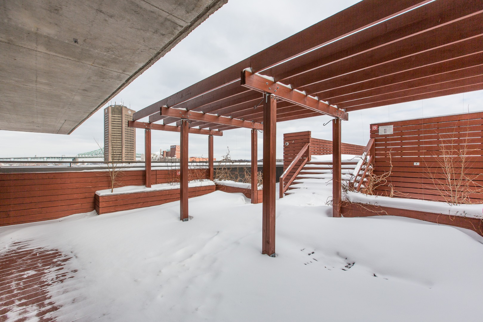 Steve rouleau remax du cartier montr al condo vendre for Piscine levesque