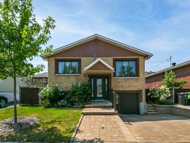 Maison à vendre 12340 54ième avenue Rivière des prairies-1.jpg