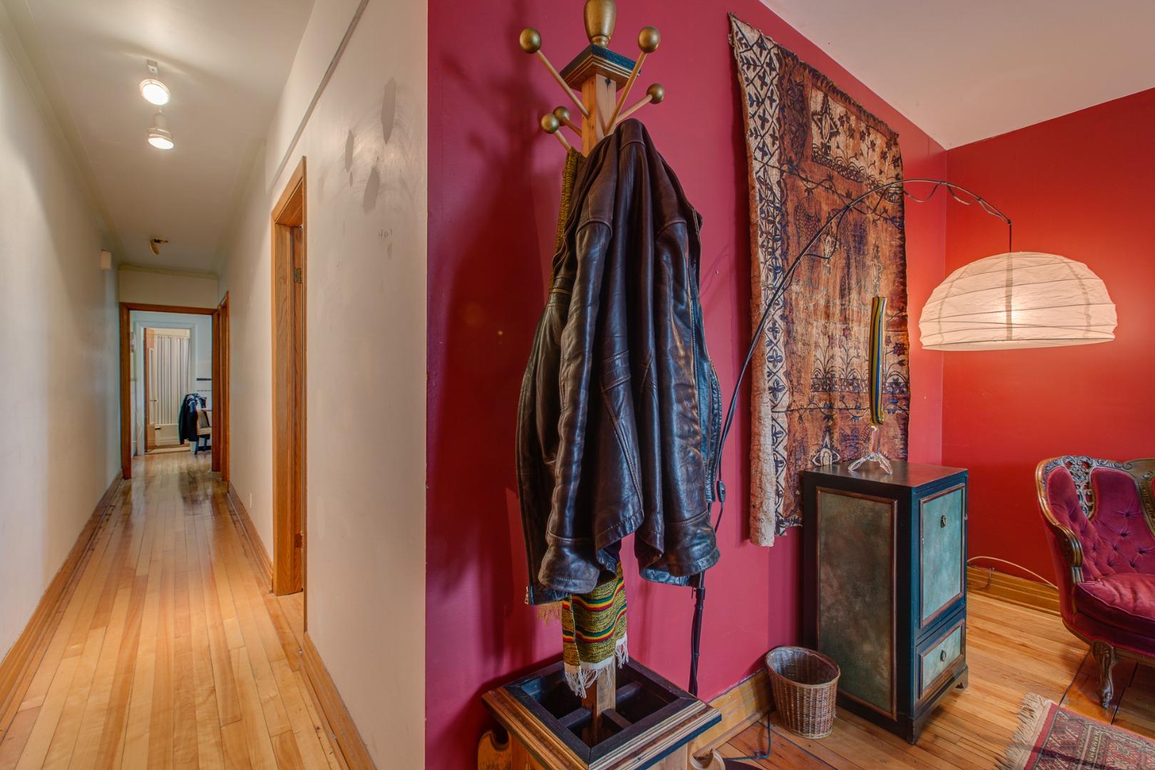 steve rouleau remax du cartier montr al 4 plex for sale montreal 1997 rue st zotique est. Black Bedroom Furniture Sets. Home Design Ideas