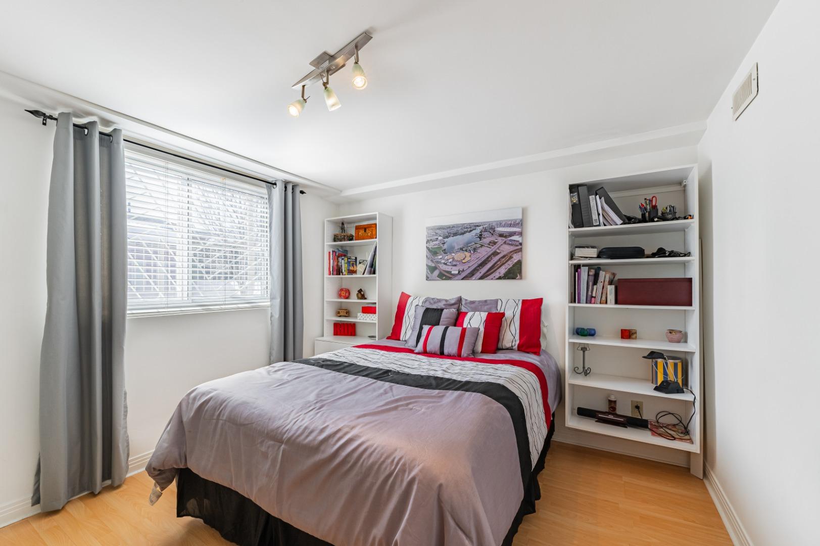 Maison_à_vendre-682_Av_Mondor-Laval-GL(17)-.jpg