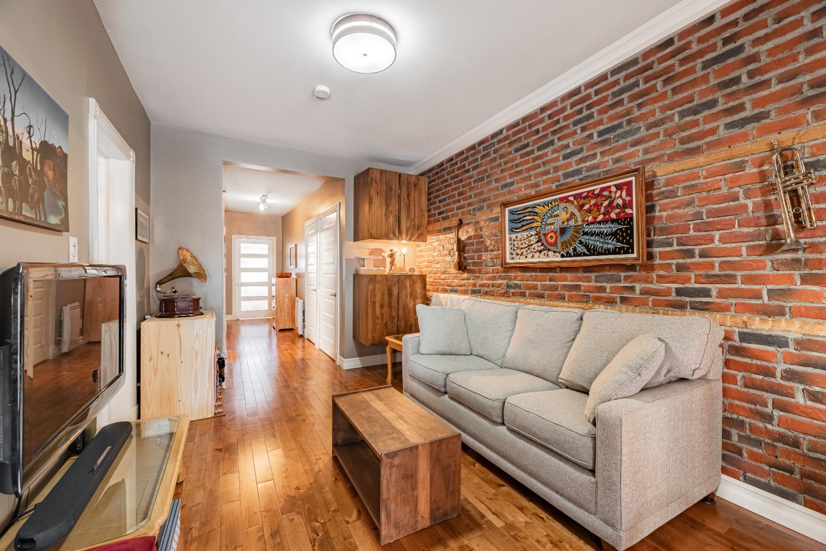 Duplex_à_vendre_Montréal_le_plateau_Mont_Royal_4560-4562_Rue_de_Mentana_Montréal-GL(8).jpg